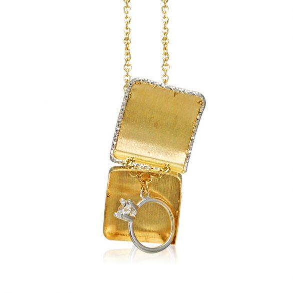Arany nyakék - elrejtett gyűrűvel, vésett