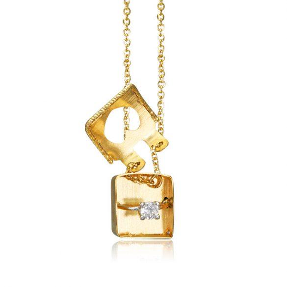 Arany nyakék - elrejtett gyűrűvel