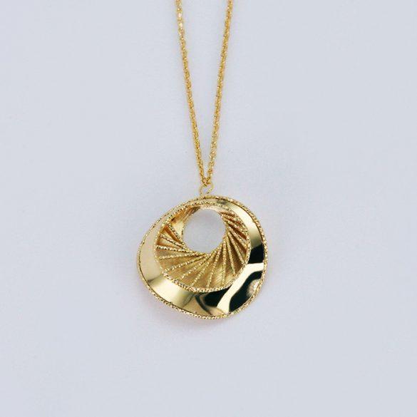 Arany, lézeres, gyémántvésett Nyaklánc medállal - 7118